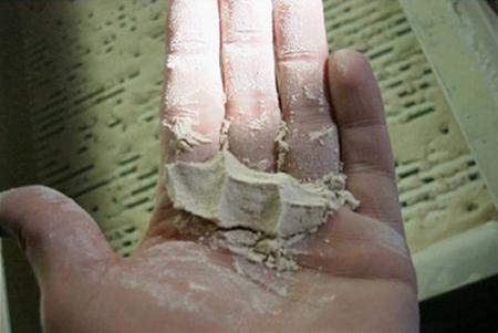 Caliza molida humeda con efecto bola de nieve