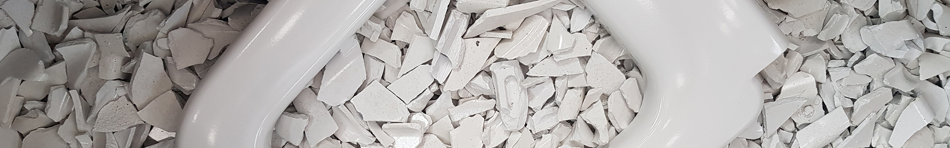Plástico termoestable en proceso de reciclaje